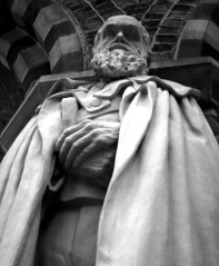 A statue of Darwin in the Natural History Museum, Oxford